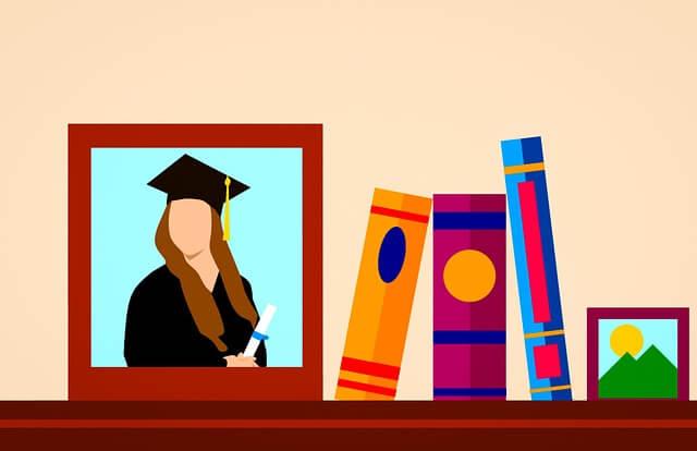 desenho de um retrato de uma pessoa formada e livros em uma estante