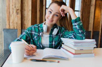 Jovens no Mercado de Trabalho — Como Conciliar Estudos?